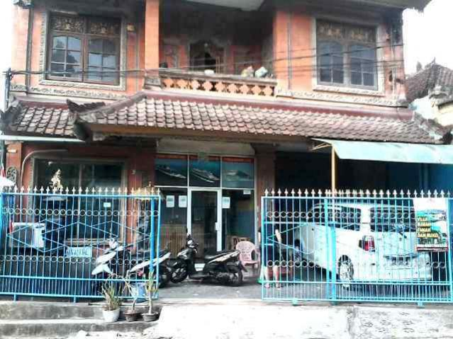 House and comercial space for sale in DAlung Bali