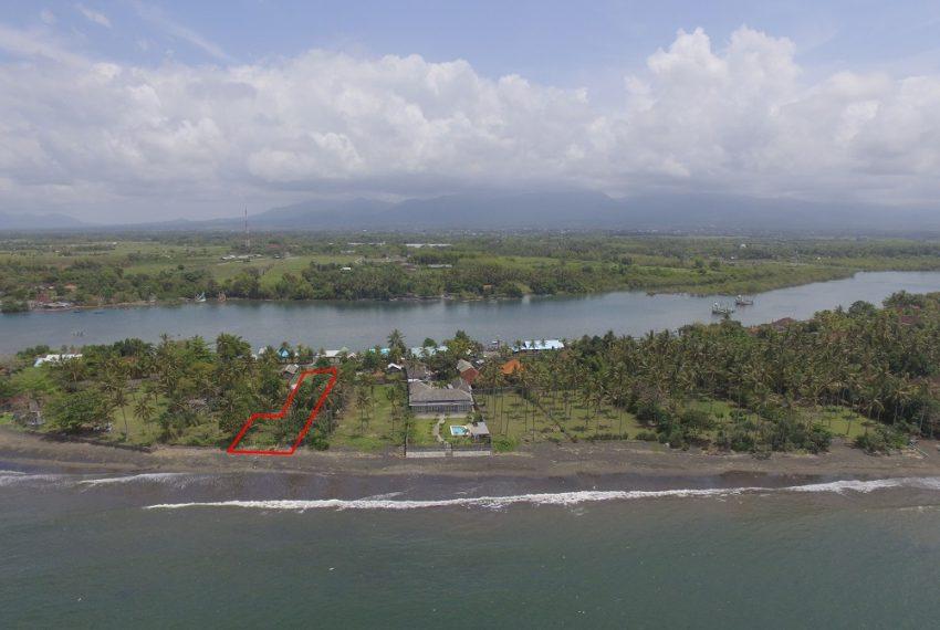 land-beachfront-juna1