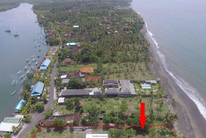 land-beachfront-juna2
