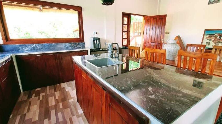 villa-lotunduh kitchen